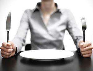با گرسنگی در طول رژیم غذایی چه کنیم ؟