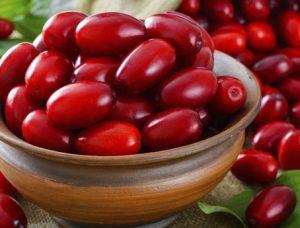 با فواید و خواص بی نظیر میوه های قرمز آشنا شوید